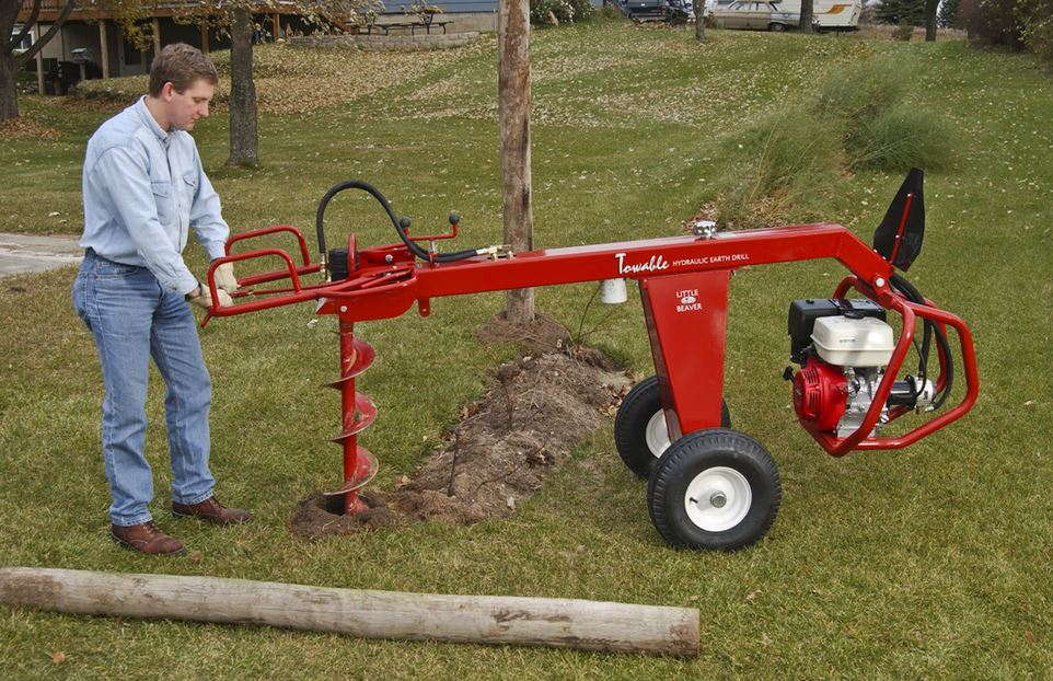 Little Beaver hydraulic towable earth drill